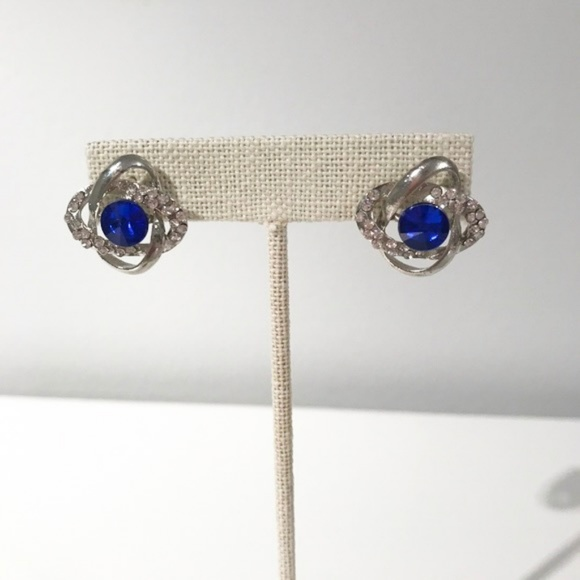 Jewelry - Blue Gem Knotted Earrings